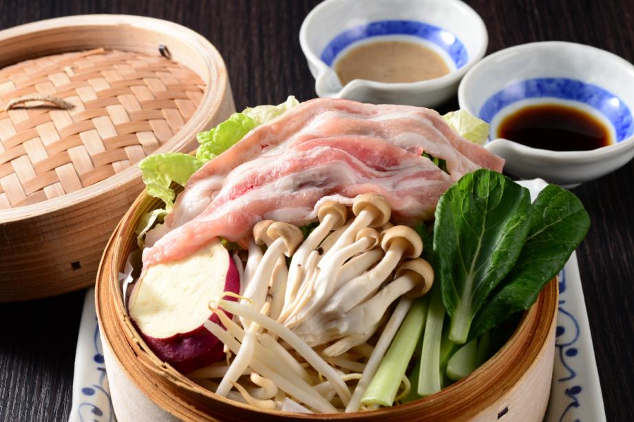 上州麦豚のセイロ蒸しプラン☆夕食メインが基本+1,000円(税別)で上州麦豚にグレードアップ!